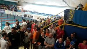 piscina-samuele-milano-atleti-e-spettatori-sugli-spalti